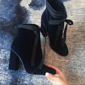 Zara Blue Velvet Boots with Grosgrain Bow 🦋🖤